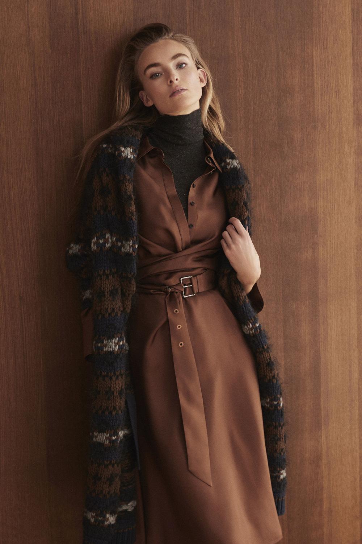 Brunello Cucinelli时装系列质地模仿的皮草配有前卫的羊毛背心-27.jpg