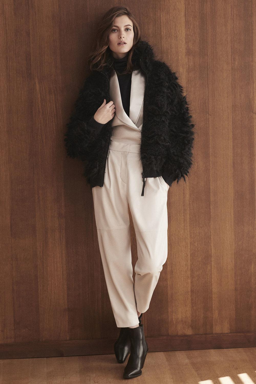 Brunello Cucinelli时装系列质地模仿的皮草配有前卫的羊毛背心-28.jpg