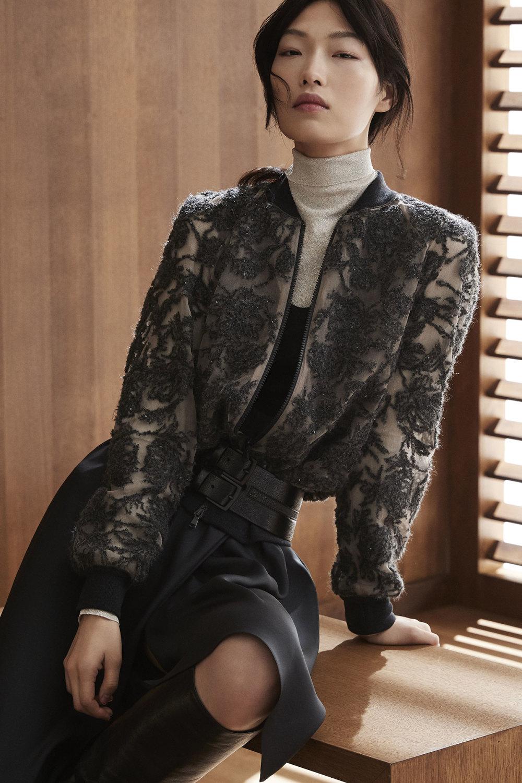 Brunello Cucinelli时装系列质地模仿的皮草配有前卫的羊毛背心-29.jpg