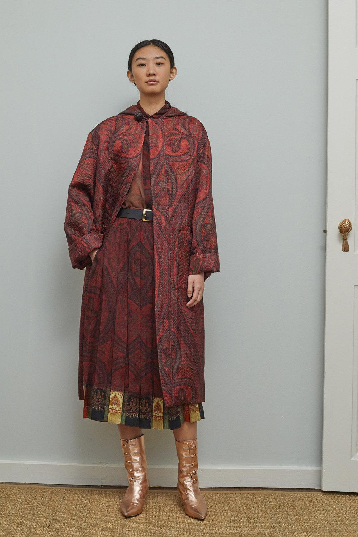 Adam Lippes时装系列的浅色迷人裙及无袖后扣栗色毛衣的百褶裙-10.jpg