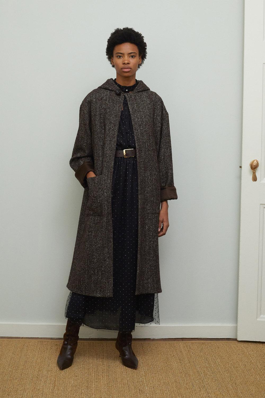 Adam Lippes时装系列的浅色迷人裙及无袖后扣栗色毛衣的百褶裙-20.jpg