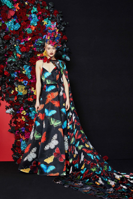 Alice + Olivia时装系列专注于秋季的魅力并为晚礼服注入清新魅力-2.jpg
