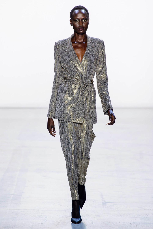 Badgley Mischka时装系列富有珠宝般的细节或一连串闪亮亮片-1.jpg