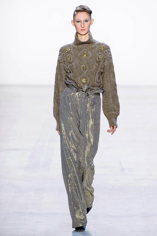 Badgley Mischka时装系列富有珠宝般的细节或一连串闪亮亮片-2.jpg