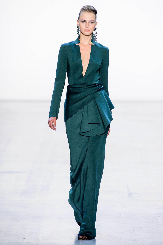 Badgley Mischka时装系列富有珠宝般的细节或一连串闪亮亮片-13.jpg