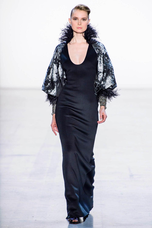 Badgley Mischka时装系列富有珠宝般的细节或一连串闪亮亮片-16.jpg