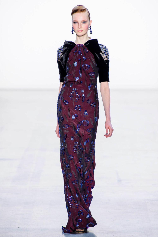 Badgley Mischka时装系列富有珠宝般的细节或一连串闪亮亮片-19.jpg