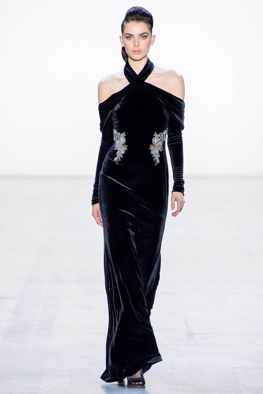 Badgley Mischka时装系列富有珠宝般的细节或一连串闪亮亮片-18.jpg