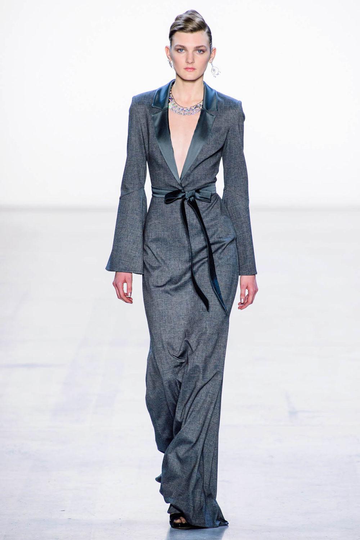 Badgley Mischka时装系列富有珠宝般的细节或一连串闪亮亮片-23.jpg