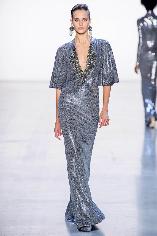 Badgley Mischka时装系列富有珠宝般的细节或一连串闪亮亮片-29.jpg