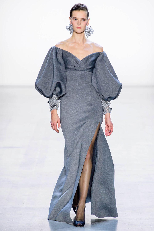 Badgley Mischka时装系列富有珠宝般的细节或一连串闪亮亮片-30.jpg