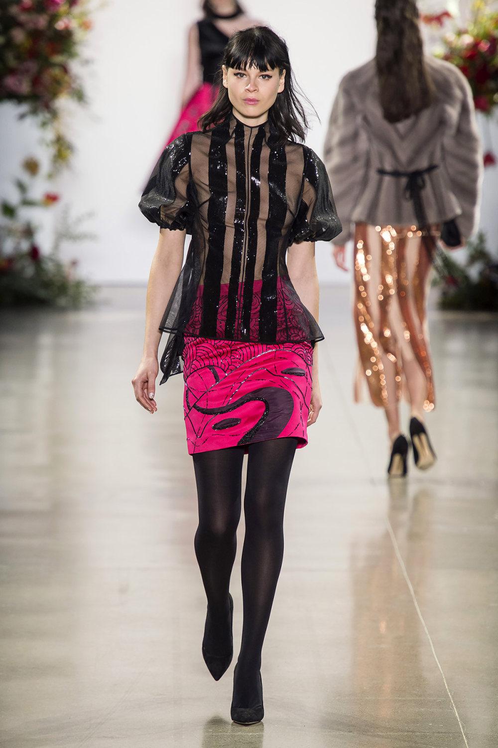 Bibhu Mohapatra时装系列颜色点缀蕾丝刺绣和结构的压轴礼服-20.jpg
