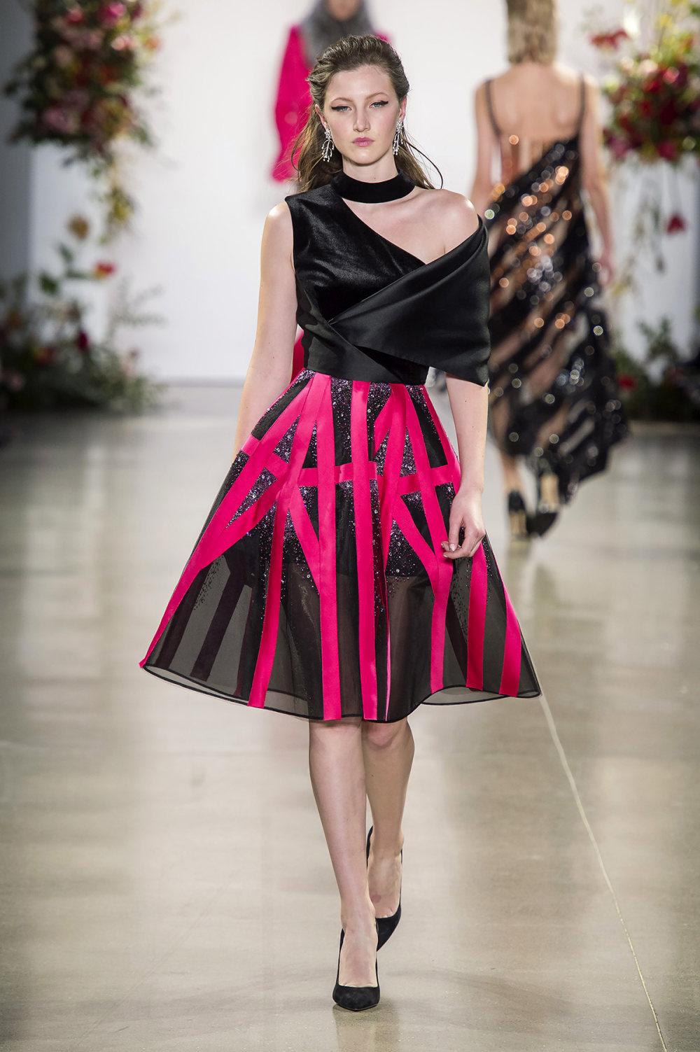Bibhu Mohapatra时装系列颜色点缀蕾丝刺绣和结构的压轴礼服-21.jpg