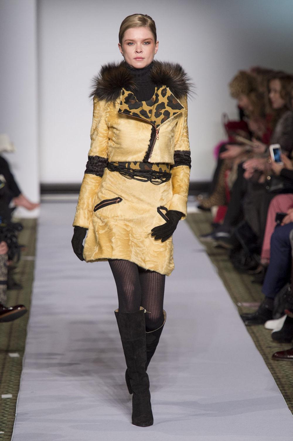 Carolina Herrera时装系列用鲜艳的颜色充满智能的黑白色调-2.jpg