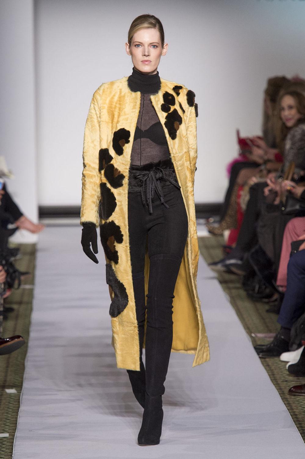 Carolina Herrera时装系列用鲜艳的颜色充满智能的黑白色调-4.jpg