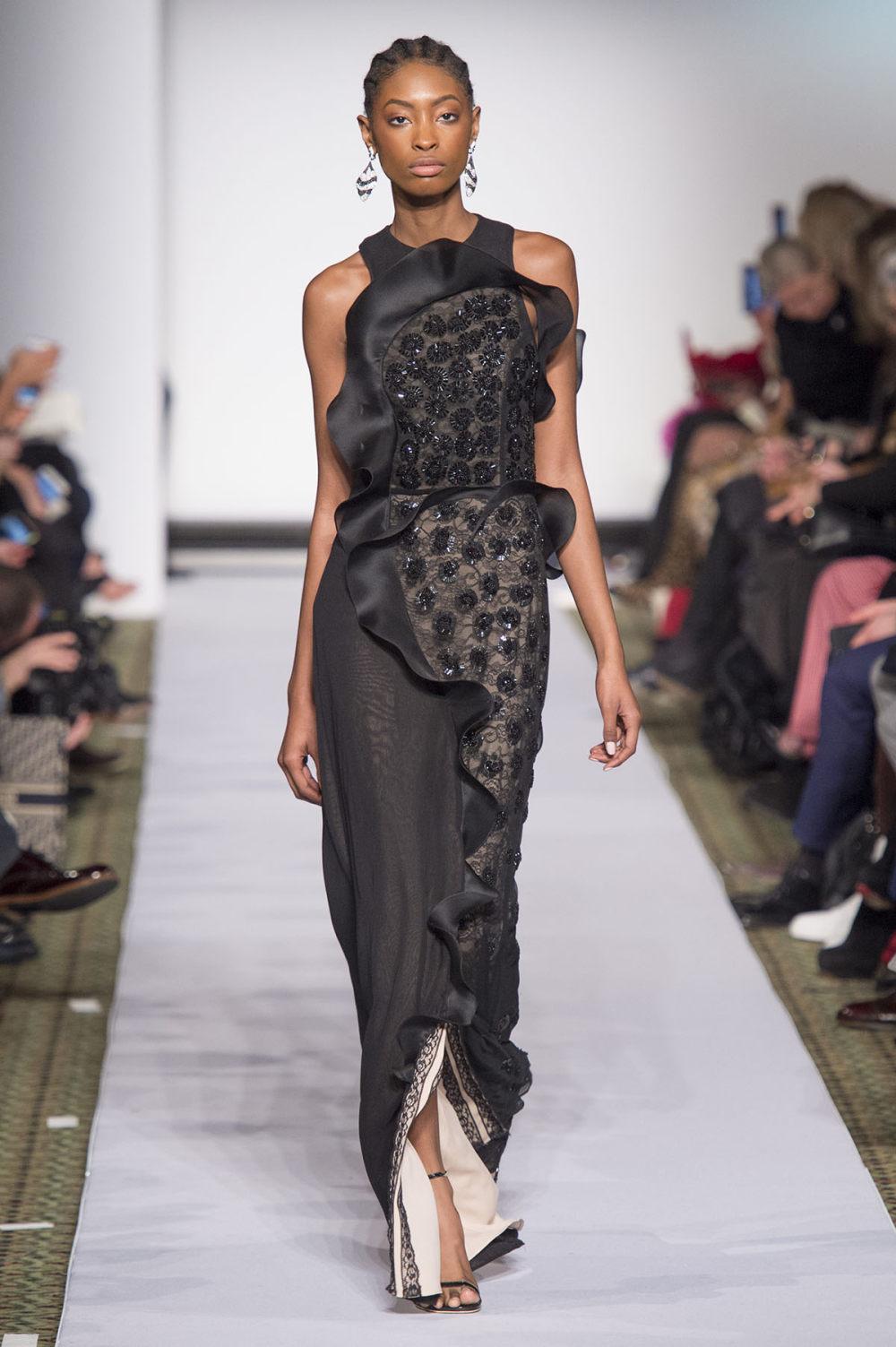 Carolina Herrera时装系列用鲜艳的颜色充满智能的黑白色调-14.jpg
