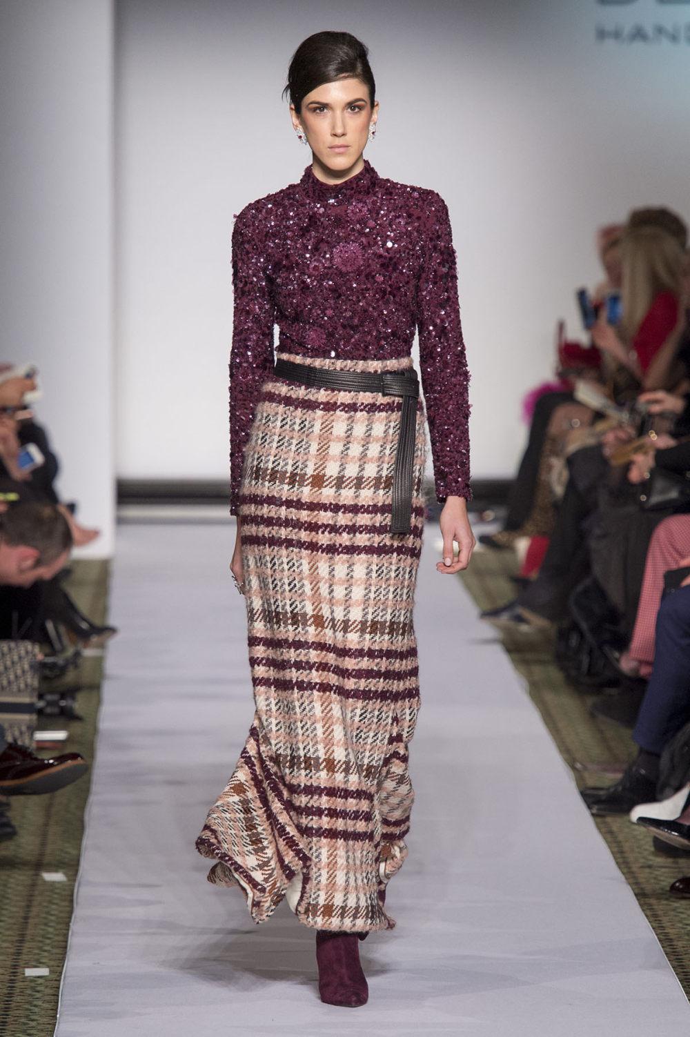 Carolina Herrera时装系列用鲜艳的颜色充满智能的黑白色调-20.jpg