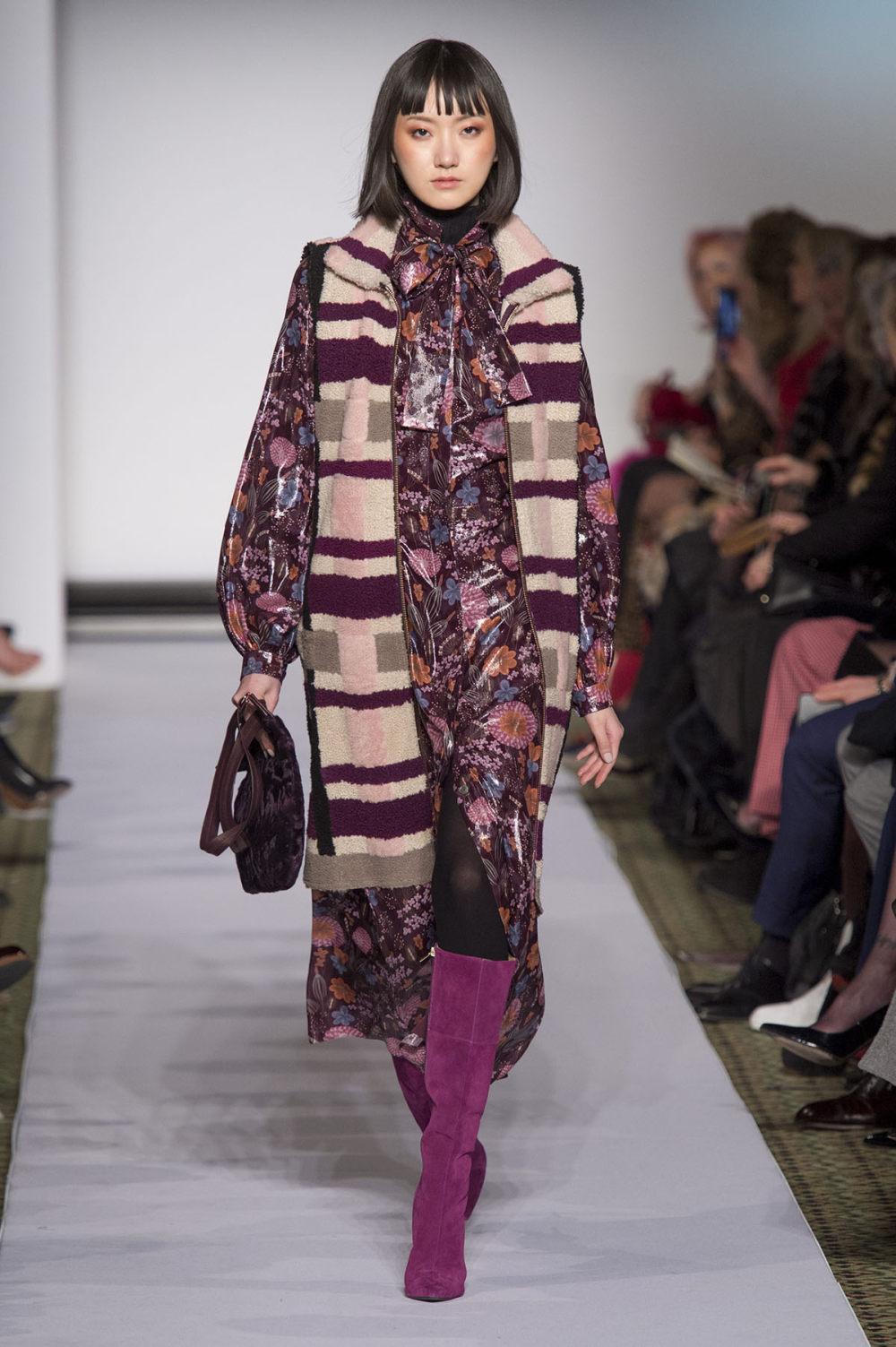 Carolina Herrera时装系列用鲜艳的颜色充满智能的黑白色调-23.jpg
