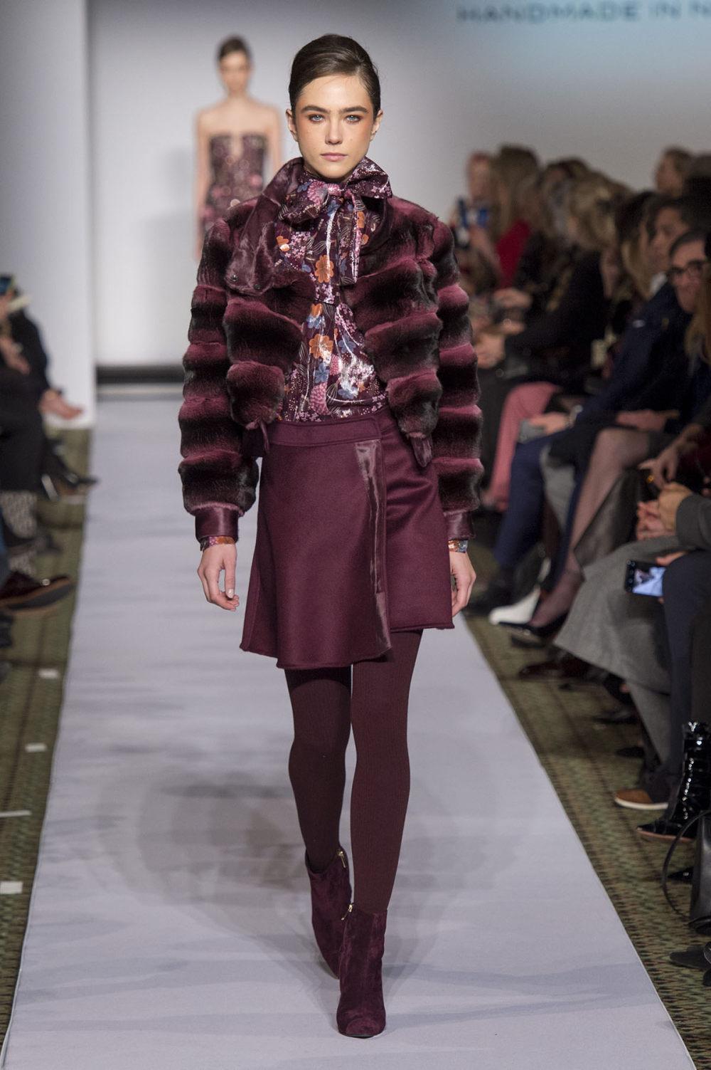 Carolina Herrera时装系列用鲜艳的颜色充满智能的黑白色调-25.jpg