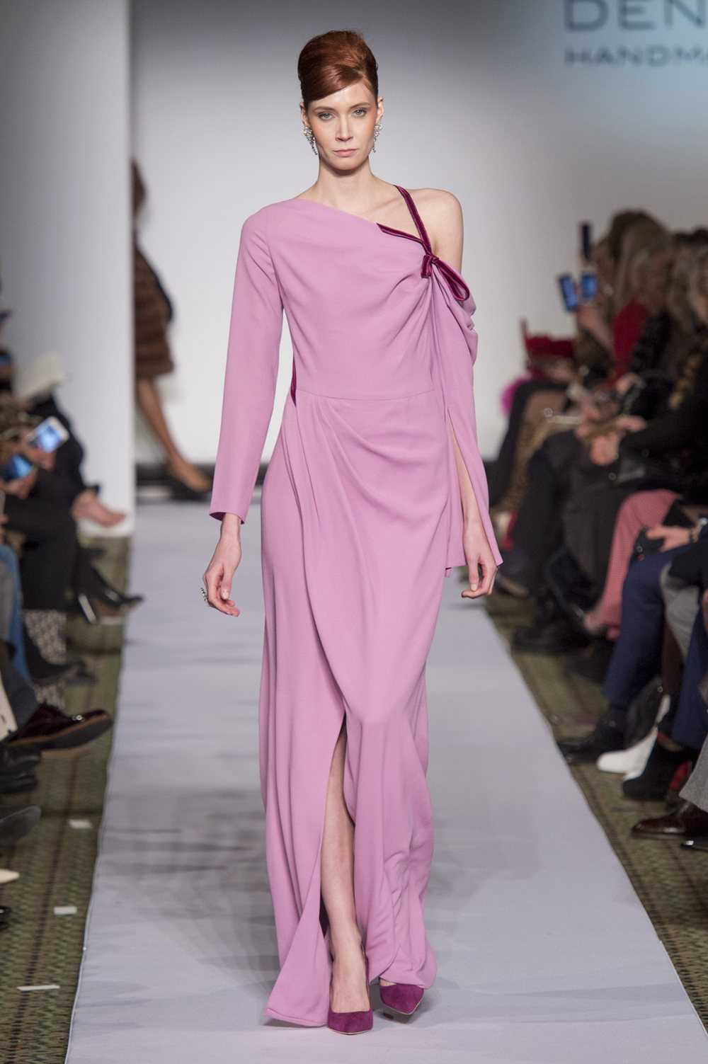 Carolina Herrera时装系列用鲜艳的颜色充满智能的黑白色调-30.jpg