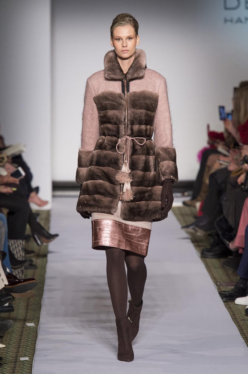 Carolina Herrera时装系列用鲜艳的颜色充满智能的黑白色调-37.jpg