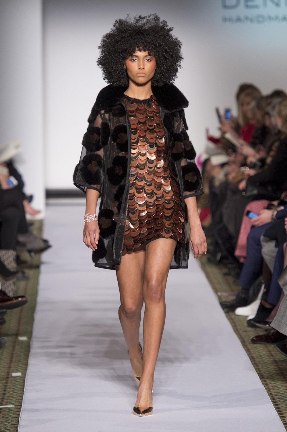 Carolina Herrera时装系列用鲜艳的颜色充满智能的黑白色调-48.jpg