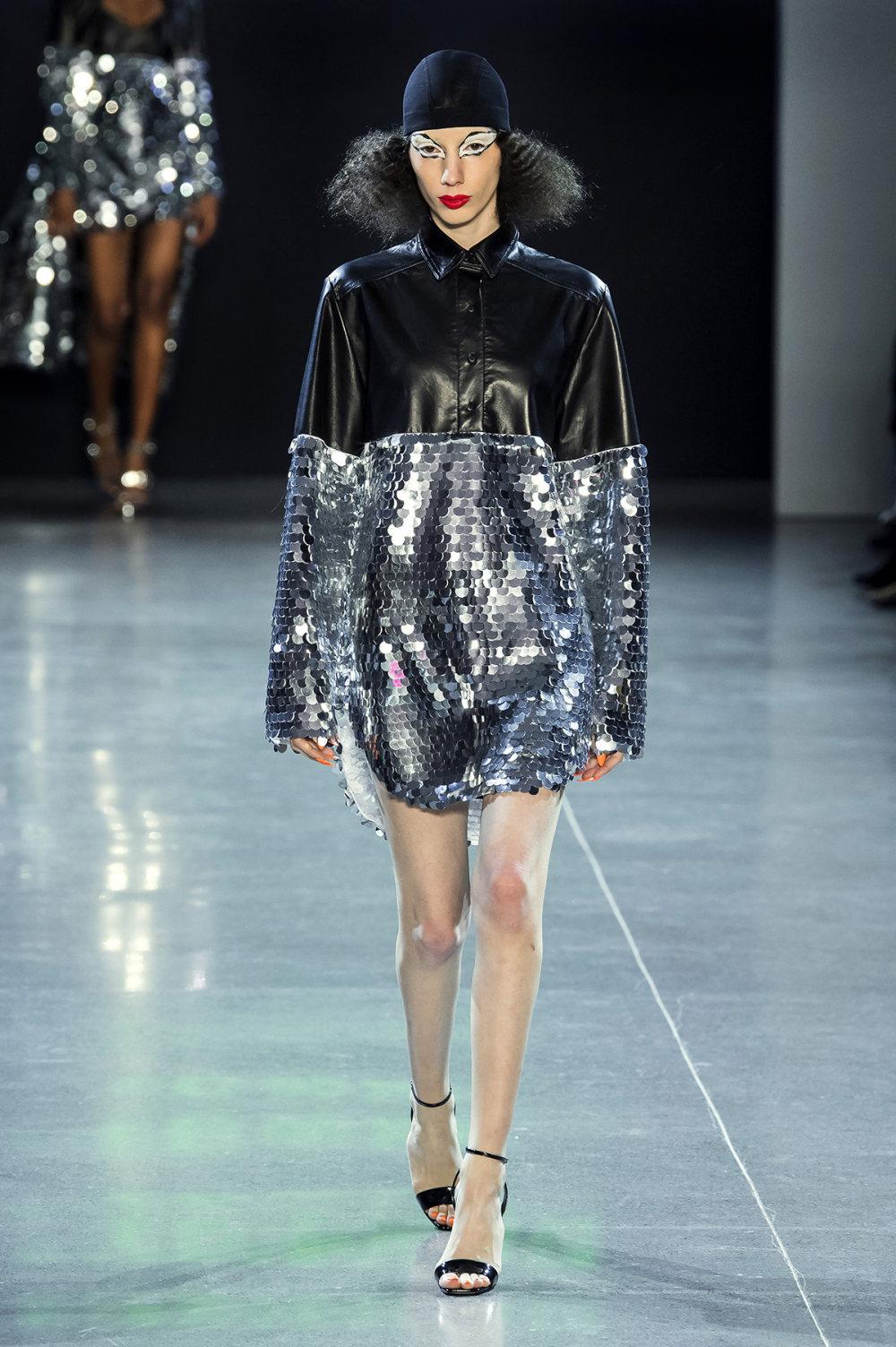 Christian Cowan时装系列虽然巨大的薄纱层状服装并没有那么特别-26.jpg