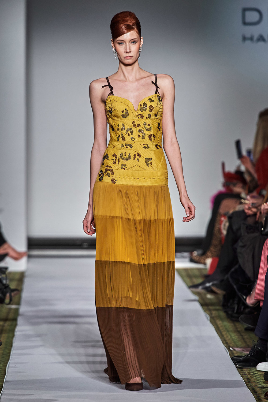 Dennis Basso时装系列感觉更有凝聚力和流线型比过去更少挑剔-9.jpg