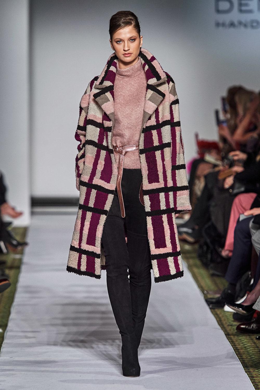 Dennis Basso时装系列感觉更有凝聚力和流线型比过去更少挑剔-22.jpg