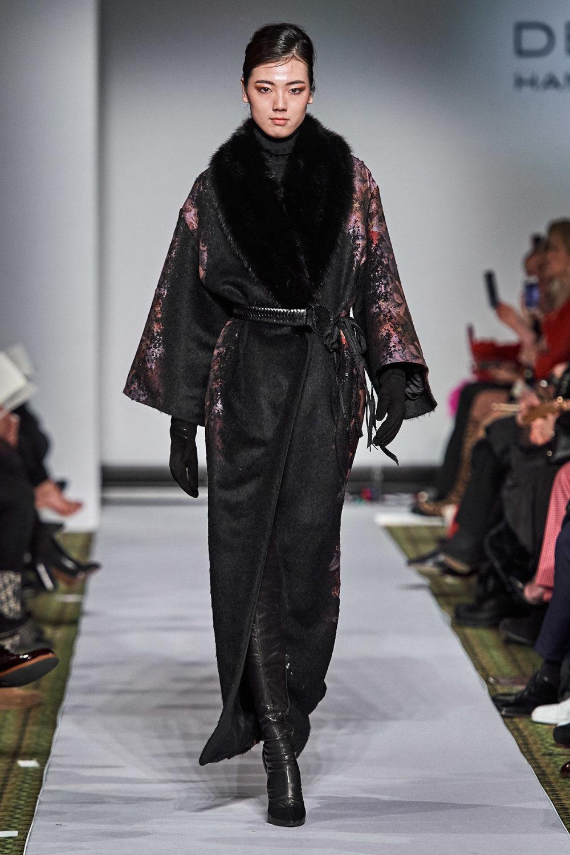 Dennis Basso时装系列感觉更有凝聚力和流线型比过去更少挑剔-29.jpg