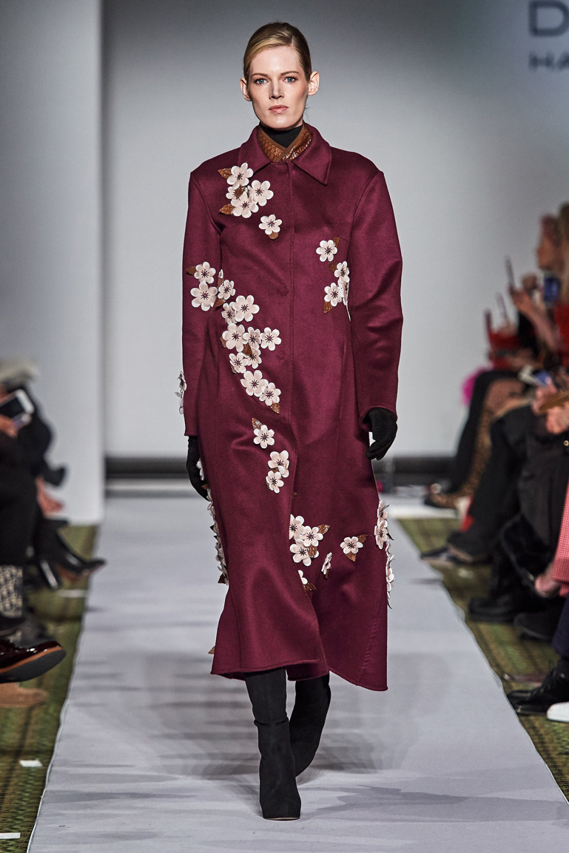Dennis Basso时装系列感觉更有凝聚力和流线型比过去更少挑剔-32.jpg