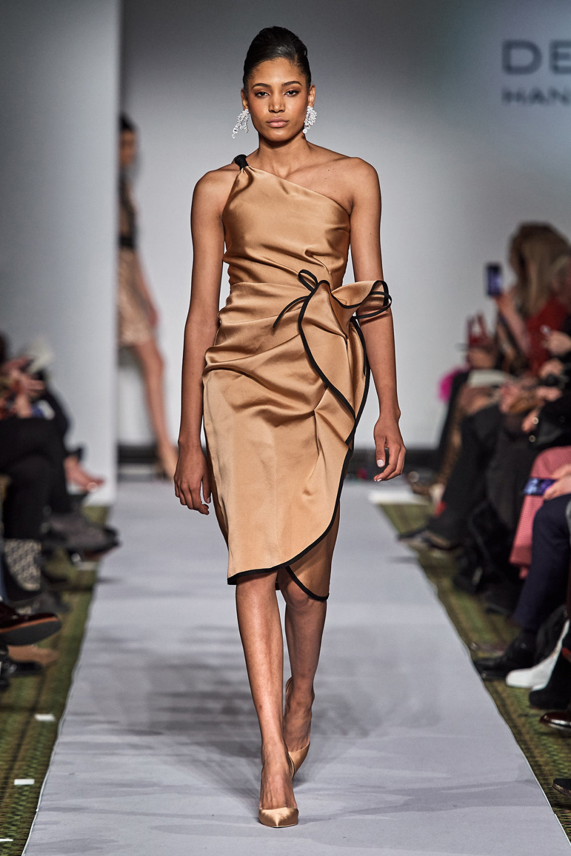 Dennis Basso时装系列感觉更有凝聚力和流线型比过去更少挑剔-41.jpg