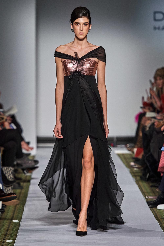 Dennis Basso时装系列感觉更有凝聚力和流线型比过去更少挑剔-44.jpg