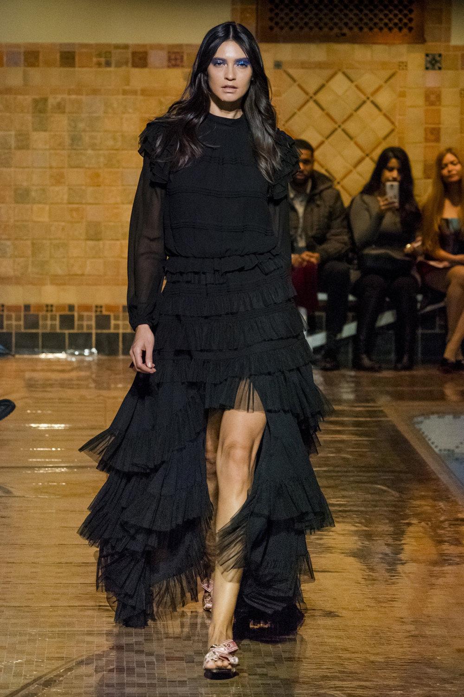 Cynthia Rowley时装系列熟悉的性感连衣裙印有巧妙的水果和花香-11.jpg