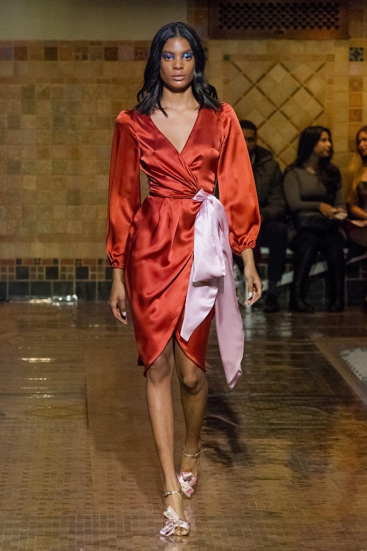 Cynthia Rowley时装系列熟悉的性感连衣裙印有巧妙的水果和花香-12.jpg