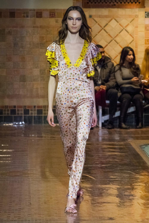 Cynthia Rowley时装系列熟悉的性感连衣裙印有巧妙的水果和花香-19.jpg