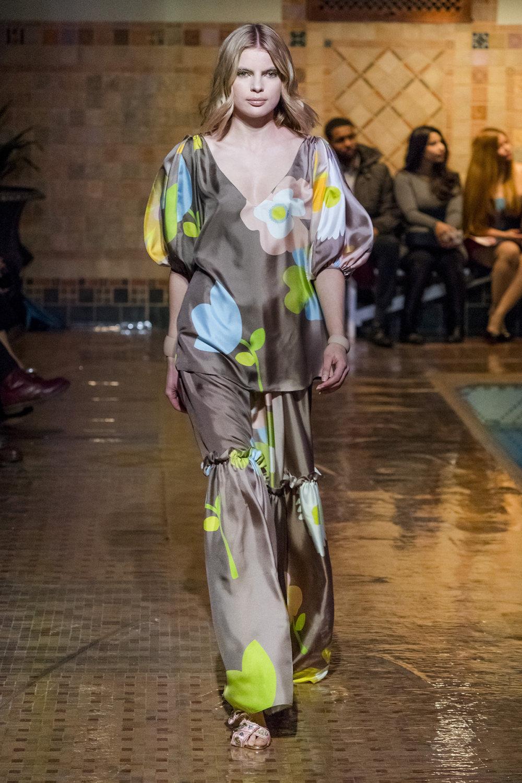 Cynthia Rowley时装系列熟悉的性感连衣裙印有巧妙的水果和花香-27.jpg