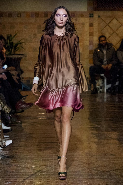Cynthia Rowley时装系列熟悉的性感连衣裙印有巧妙的水果和花香-30.jpg