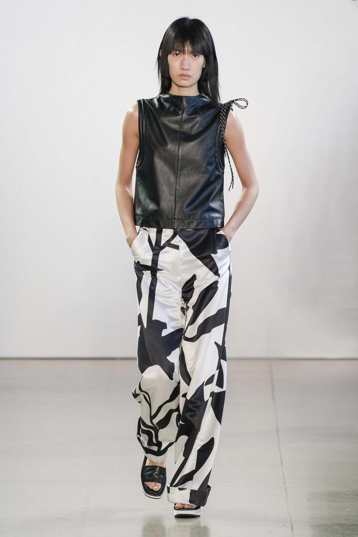 Claudia Li时装系列另一种設計用于针织毛衣的胖乎乎的蓬松袖子-3.jpg
