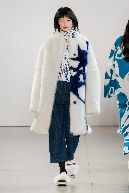 Claudia Li时装系列另一种設計用于针织毛衣的胖乎乎的蓬松袖子-17.jpg