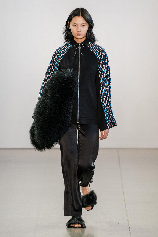 Claudia Li时装系列另一种設計用于针织毛衣的胖乎乎的蓬松袖子-22.jpg