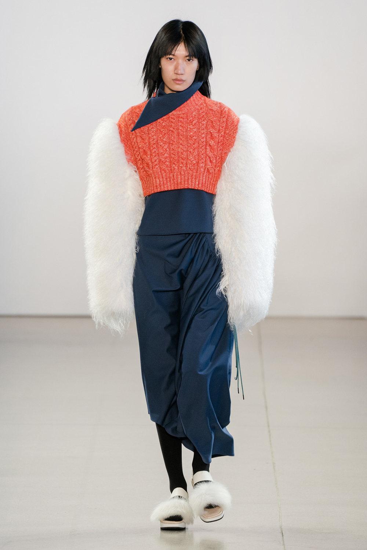 Claudia Li时装系列另一种設計用于针织毛衣的胖乎乎的蓬松袖子-25.jpg