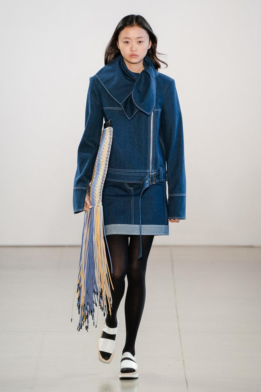 Claudia Li时装系列另一种設計用于针织毛衣的胖乎乎的蓬松袖子-24.jpg