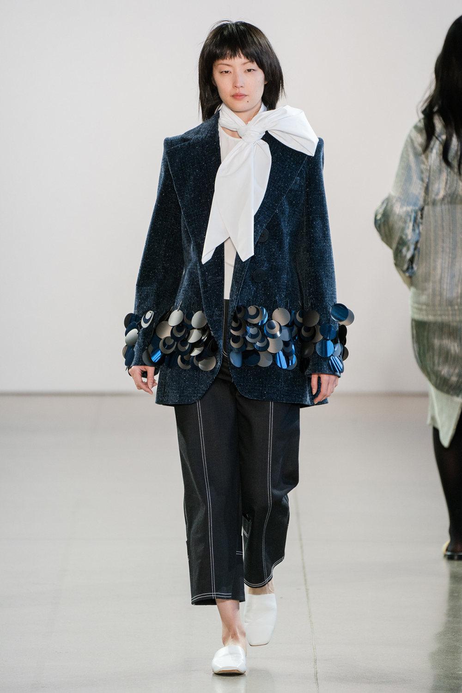 Claudia Li时装系列另一种設計用于针织毛衣的胖乎乎的蓬松袖子-38.jpg