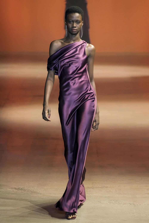 Cushnie时装系列专注于别致的晚装精美构造斜裁剪裁和垂褶连衣裙-8.jpg