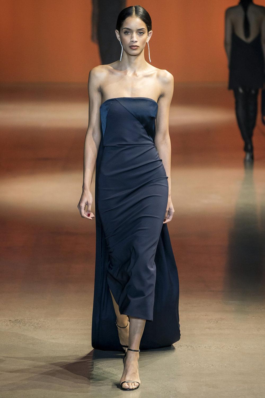 Cushnie时装系列专注于别致的晚装精美构造斜裁剪裁和垂褶连衣裙-17.jpg