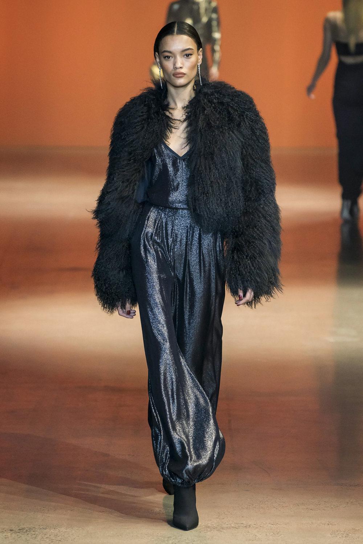 Cushnie时装系列专注于别致的晚装精美构造斜裁剪裁和垂褶连衣裙-22.jpg