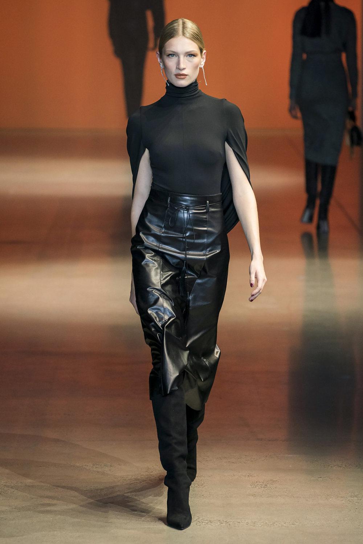Cushnie时装系列专注于别致的晚装精美构造斜裁剪裁和垂褶连衣裙-27.jpg