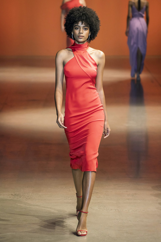 Cushnie时装系列专注于别致的晚装精美构造斜裁剪裁和垂褶连衣裙-33.jpg