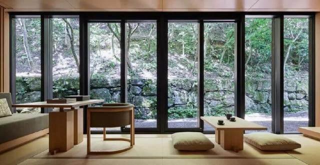 为山本耀司精品店操刀的大師,打造了这家极简酒店-4.jpg